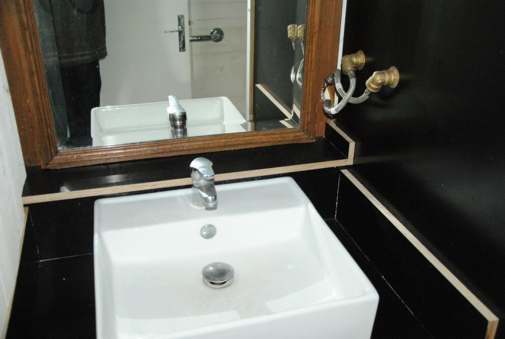 gite rouen aya. Black Bedroom Furniture Sets. Home Design Ideas